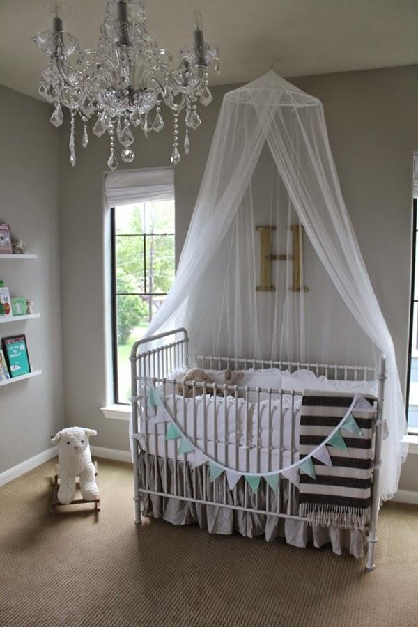 habitación bebé gris celeste