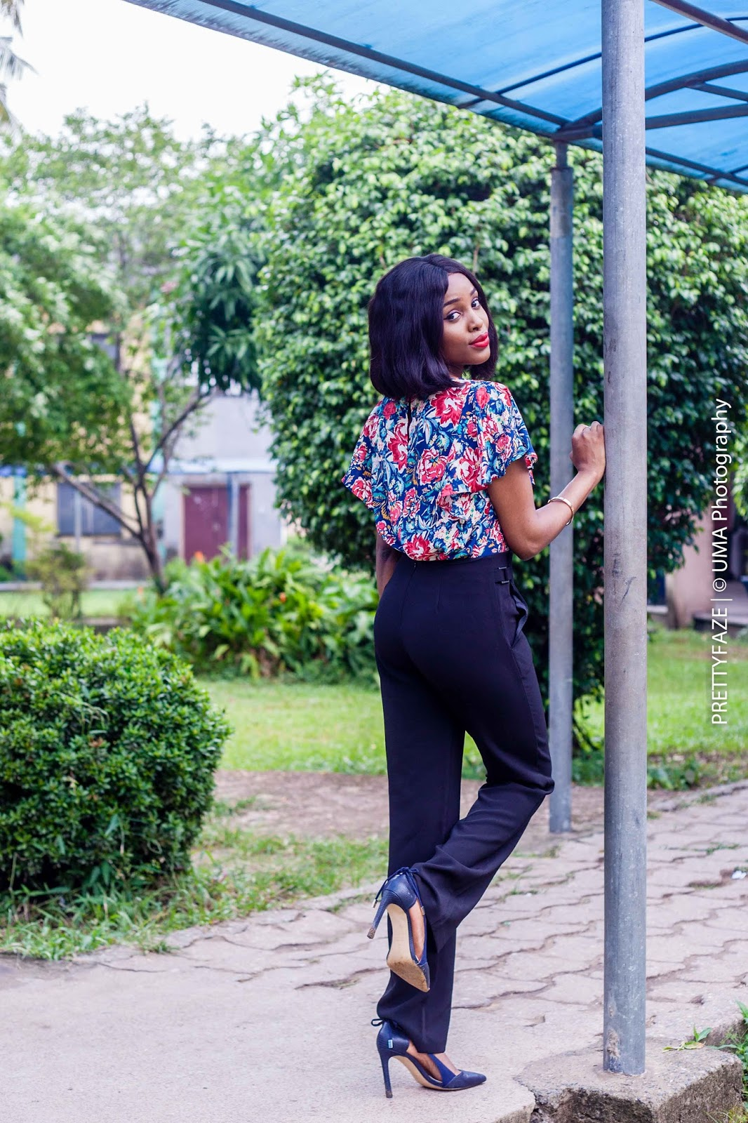 floral-blouse-to-work