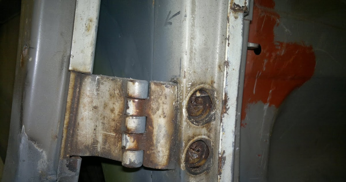 Pauls Splitscreen Van Project Removing A Rusted Cargo