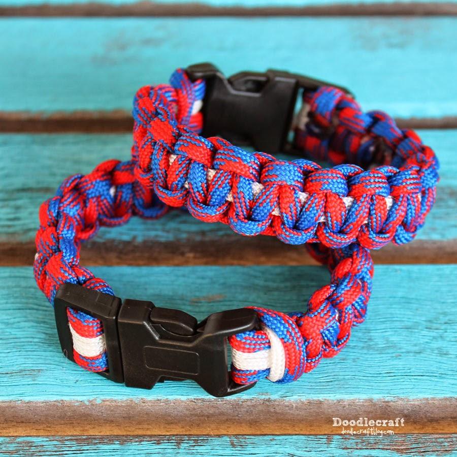 http://www.doodlecraftblog.com/2014/07/paracord-bracelets.html