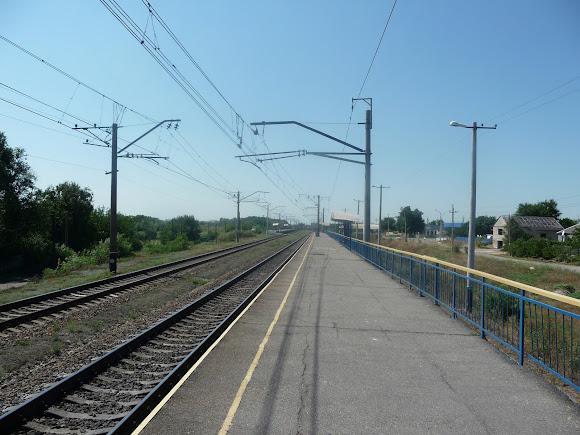 Васильковка. Железнодорожная платформа Неродовка (Васильковка)