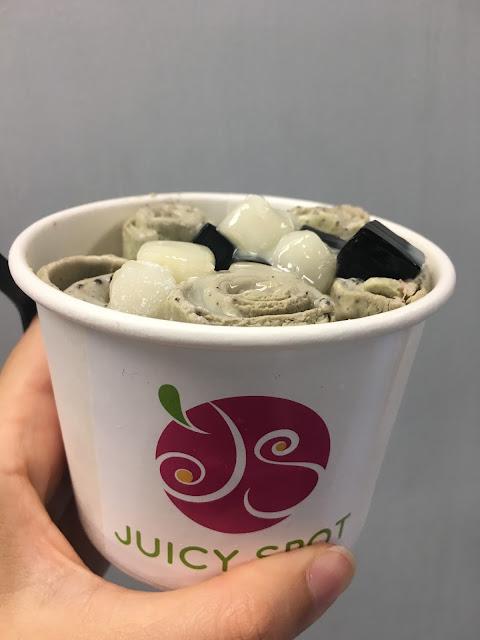 Juicy Spot Cafe: Thai Ice Cream Rolls de Matcha