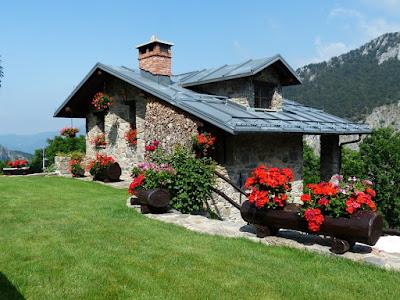 cara membuat rumah menjadi  lebih cantik