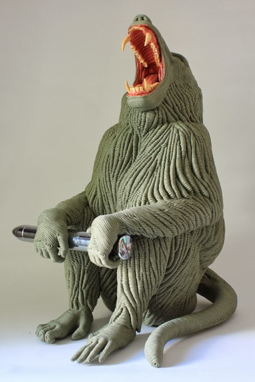 03-Baboon-Mozart-Guerra-Rope-Animal-Sculptures-www-designstack-co