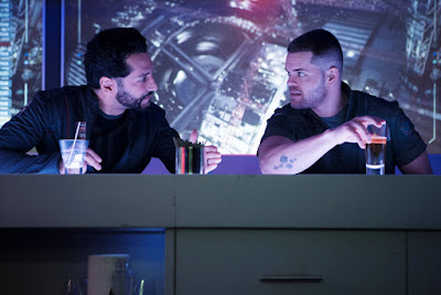 Wes Chatham and Cas Anvar in The Expanse Season 2 (46)