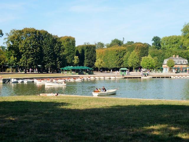Parc du château de Versailles - la petite Venise - barque