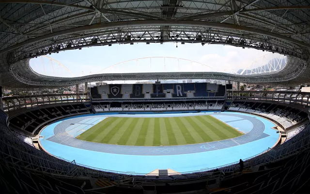 6510b2d0bc O Botafogo decidiu averiguar a condição das arquibancadas do Nilton Santos  após fotos de flamenguistas depredando o estádio serem repercutidas em  redes ...