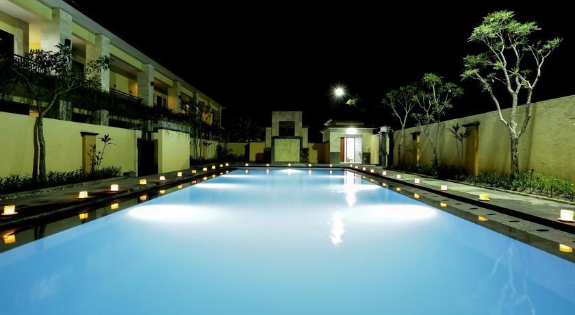 Bali Mega Hotel 18