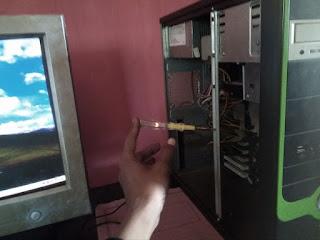 casing komputer agar tidak nyetrum