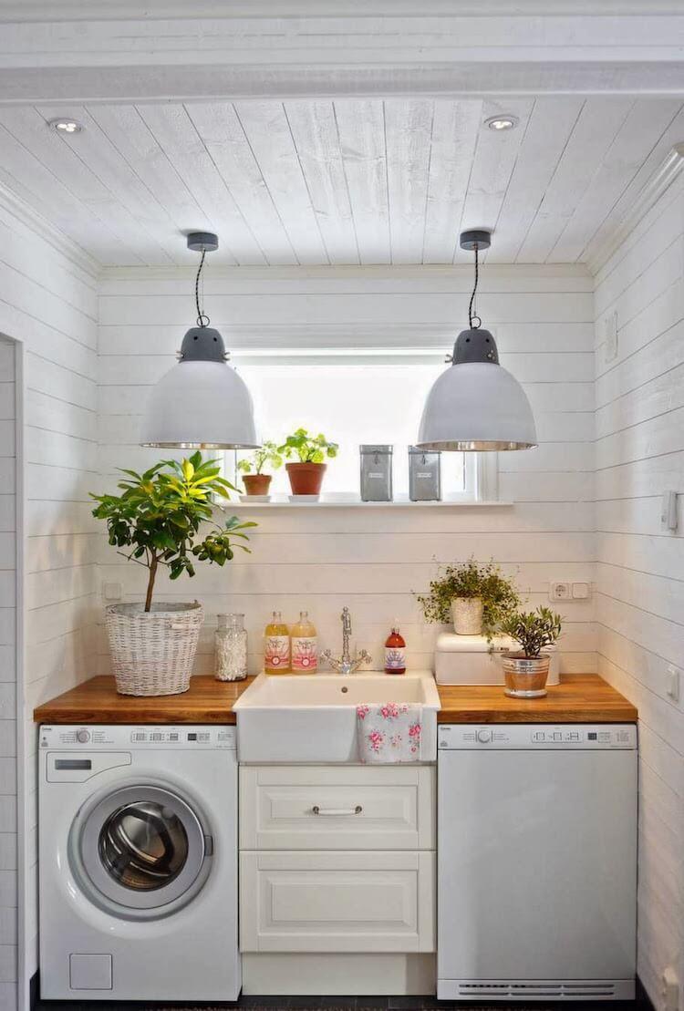 cocina con lavadora a la vista