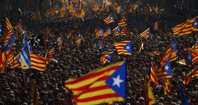 O governo espanhol ordenou o envio do Exército para a Catalunha, o efetivo irá fornecer apoio logístico à Guarda Civil e à Polícia Nacional.