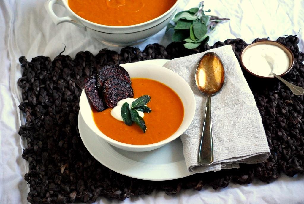 Scharfe Kürbissuppe mit Baharat