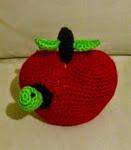 http://novedadesjenpoali.blogspot.com.es/2014/08/patron-de-manzana-con-gusano.html