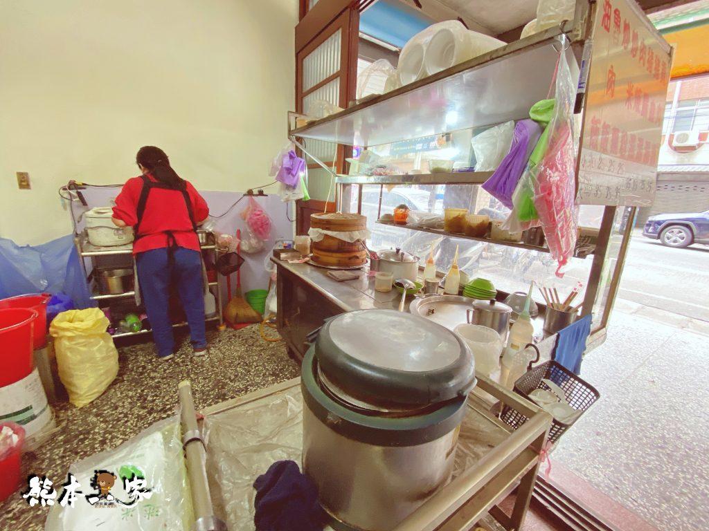 三峽中山路傳統早餐|每天只賣三個小時晚去油飯肉焿就賣完~近恩主公醫院中山醫療大樓