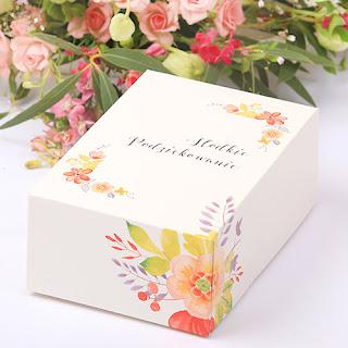 https://www.slubnezakupy.pl/sklep,230,10371,pudelka_na_ciasto_zlozone_wild_flowers_10szt.htm