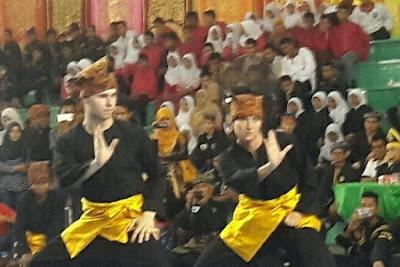"""1.038 """"Pendeka"""" Silat dari 10 Negara Bertarung di Padang"""