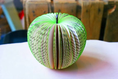 https://www.etsy.com/listing/159720184/3d-paper-apple-sculpture-made-with?ref=favs_view_1