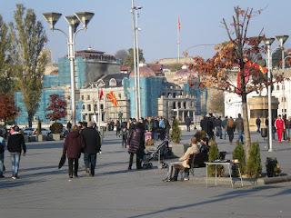 Όνομα και ταυτότητα - Το ζήτημα με τα Σκόπια περιπλέκεται