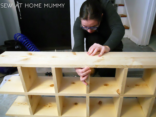 building a custom fat quarter storage shelf for the wall, craft storage ideas || sew at home mummy