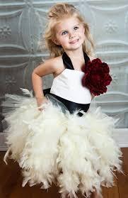 modelo de vestido de casamento para criança
