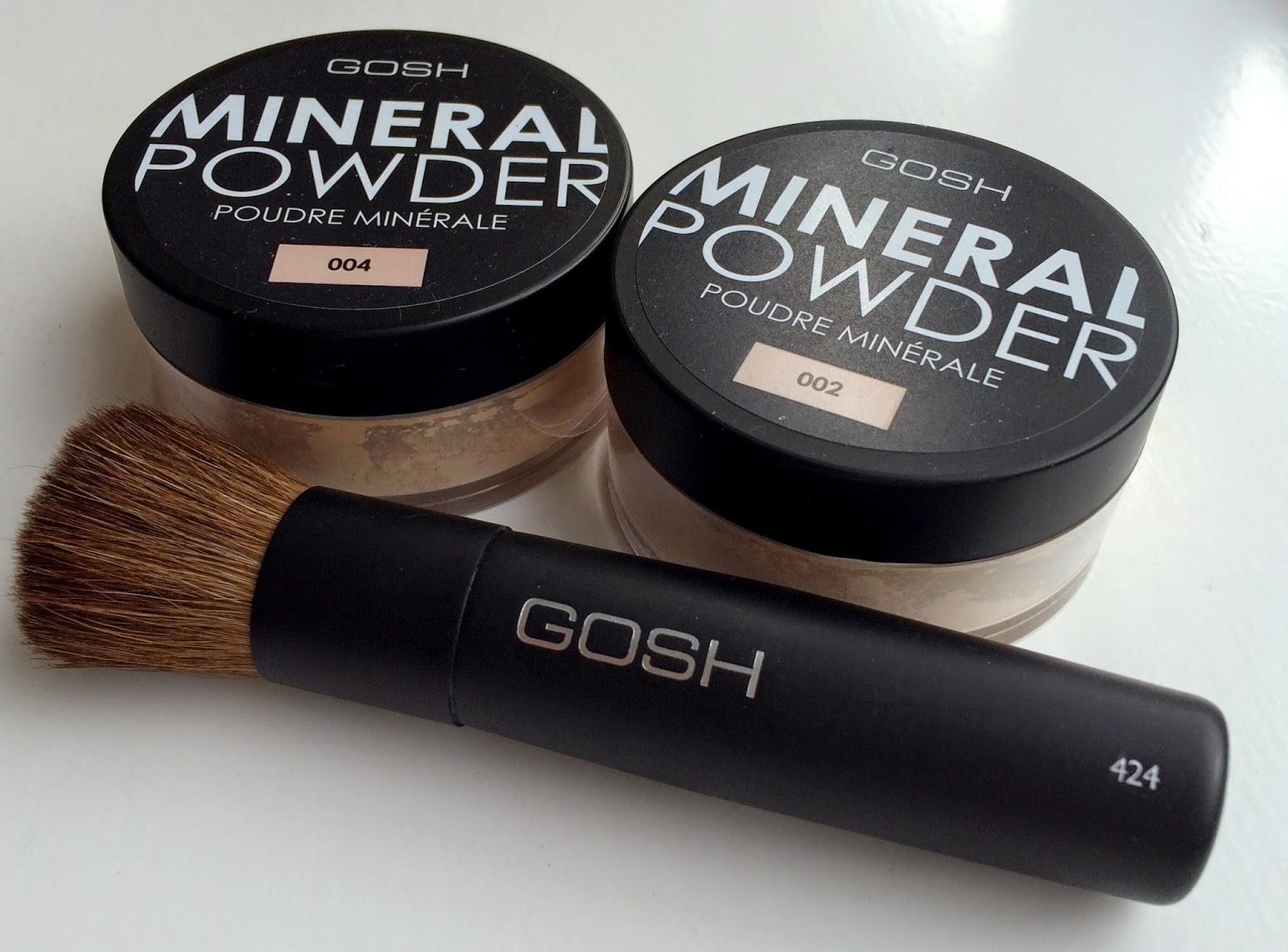 gosh-cosmetics-mineral-powder-and-brush-review-2014-ivory-natural