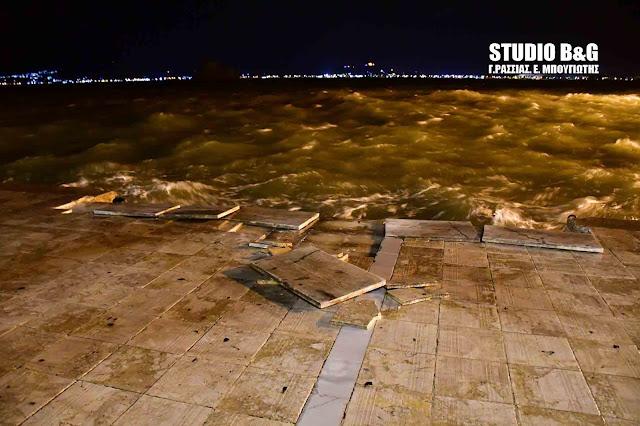 Τεράστιες ζημιές από του πολύ ισχυρούς ανέμους στην Αργολίδα - Ξηλώθηκαν μέχρι και πλάκες πεζοδρομίων(βίντεο)