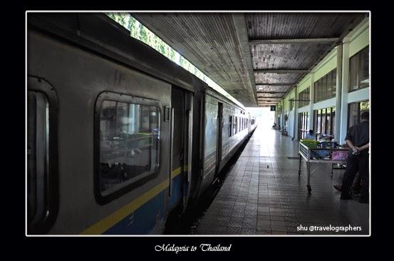 haadyai, hatyai, thailand, south thailand, songtheaw, temple, backpacking thailand, kota hatyai, hatyai railway station, stasiun hatyai, stasiun padang besar, cross border malaysia thailand