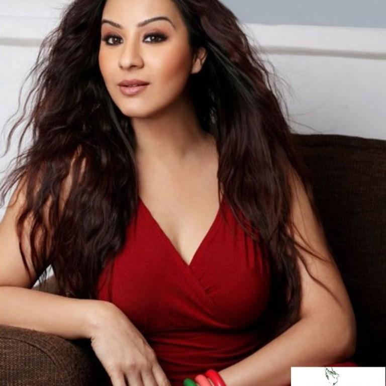 Angoori bhabhi ji Hot looks
