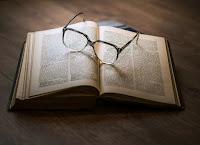 manfaat membaca untuk kesehatan pikiran dan masa depan