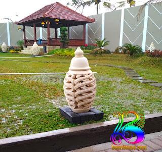 Lampion taman dari batu alam