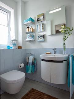 Baño color azul suave