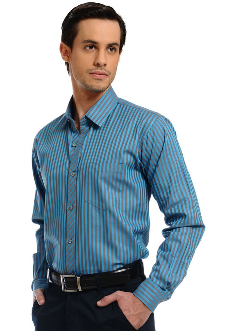 Men's clothing from Dockers features updated classic styles of pants, shirts, sweaters, jackets, and more. Shop dress or casual clothes for men at Dockers®.