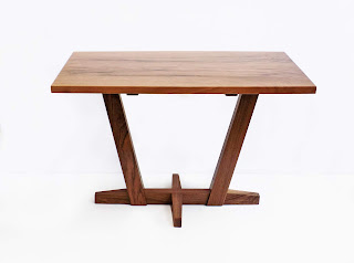 Image of a small table with Japanese stylings