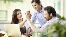 4 Tips Menjalin Pertemanan yang Sehat di Kantor, Agar Kerja Makin Produktif