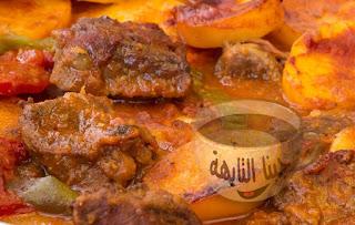 صينية البطاطس باللحم أو الدجاج بالصور خطوة خطوة