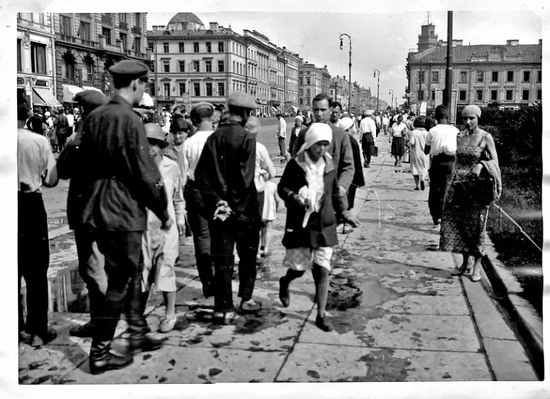 Old Photographs Of Life In Leningrad In The 1920s