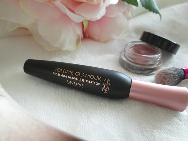Bourjois Volume Glamour Mascara :: Review