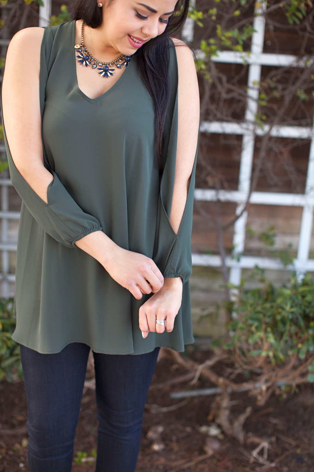 cold shoulder top, olive green top, statement necklace, bauble bar necklace, miss match boutique blogger