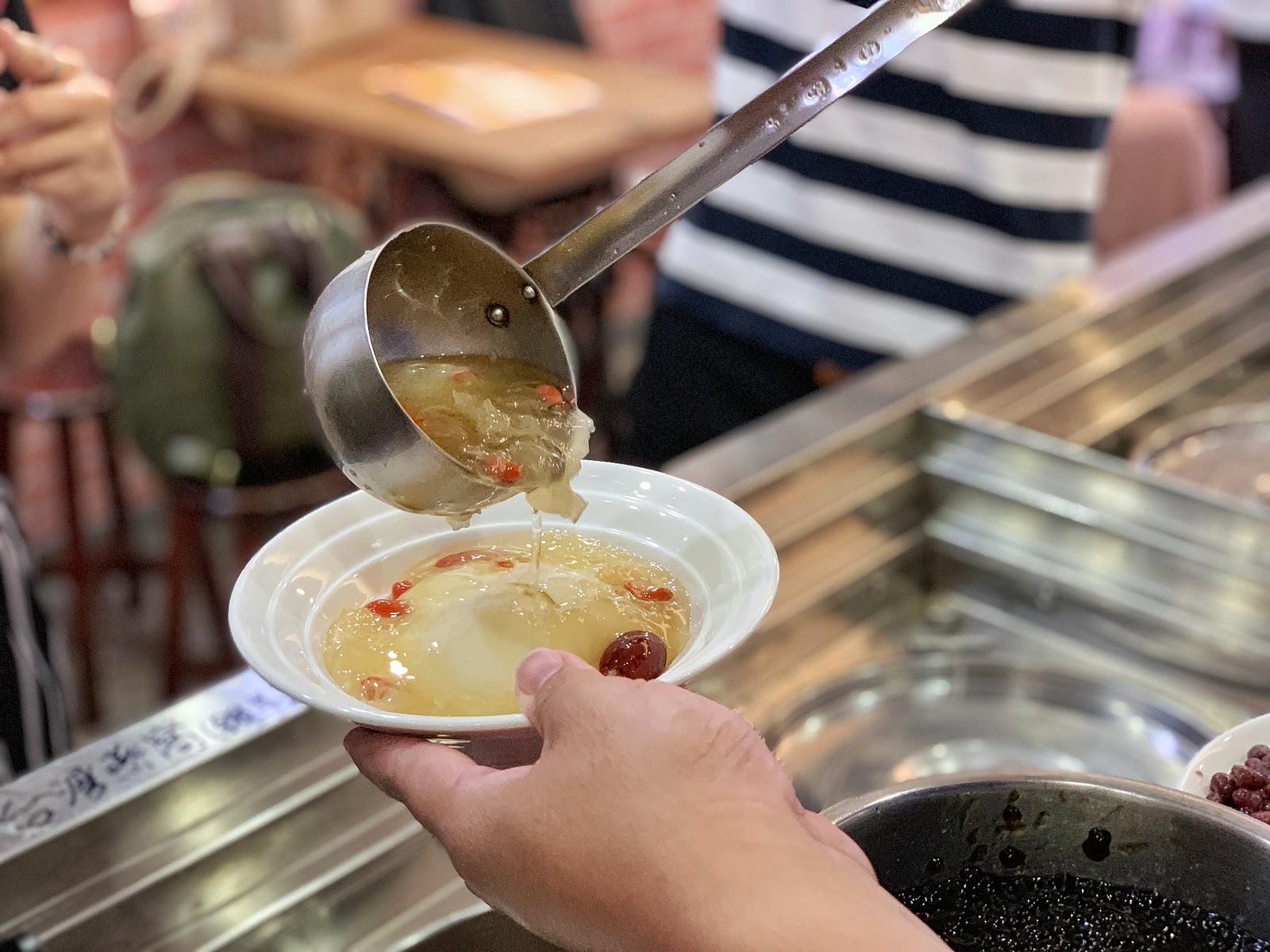 嘉義美食【嘉義品安豆漿豆花】枸杞銀耳湯底