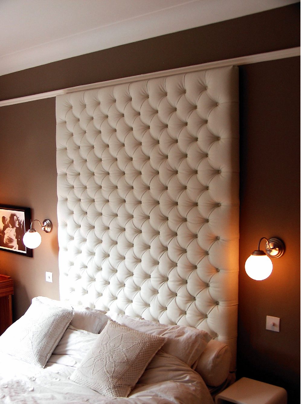 Home Priority Wavy Look Padded Wall Panel Design For The