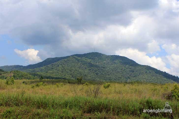 gunung tajam belitung