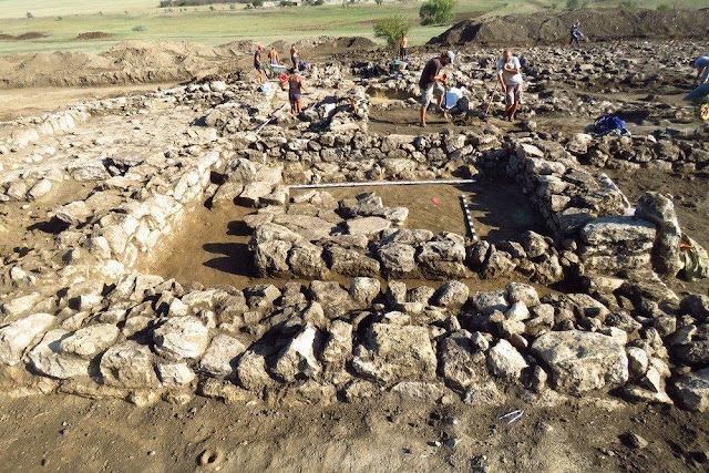 Russian archaeologists unearth ancient Greek settlement in Crimea peninsula