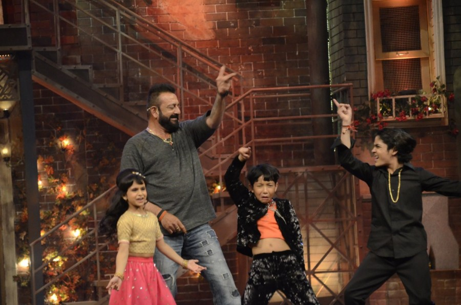 Sanjay Dutt Promotes Bhoomi on The Sets of Comedy Dangal