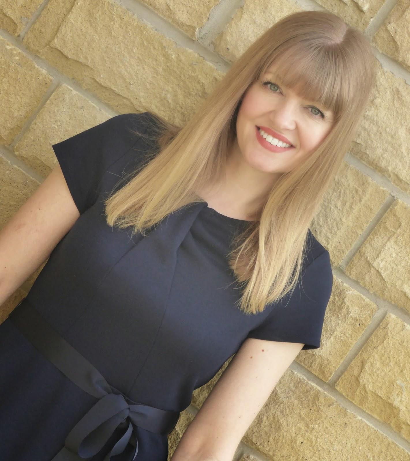 What Lizzy Loves, 40 plus fashion blogger. Kaliko navy jersey dress