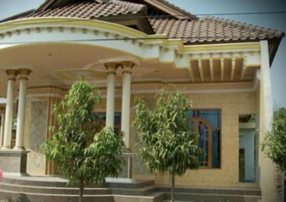 Gelandangan di Jakarta, Rumah Mewah di Kampung Halaman