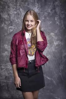 Bia (Valentina Bulc) é irmã de Kyra (Vitória Strada)
