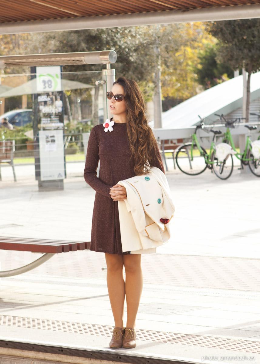 Brown dress and white wool coat - Senorita Martita FALL-WINTER street style by Amanda Dreamhunter - made in Spain