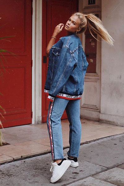 Tape Trucker + High Waist Jeans | 19 Perfect Fall Outfits You Will Want to Copy This Year