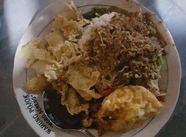 Pecel Rawon Warung Pojok Moro Seneng
