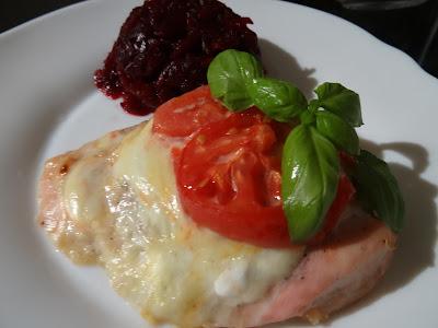 Filet z kurczaka zapiekany z serem mozzarella